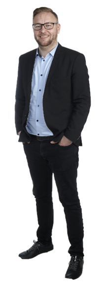 Aleksi Pohjolainen full body image